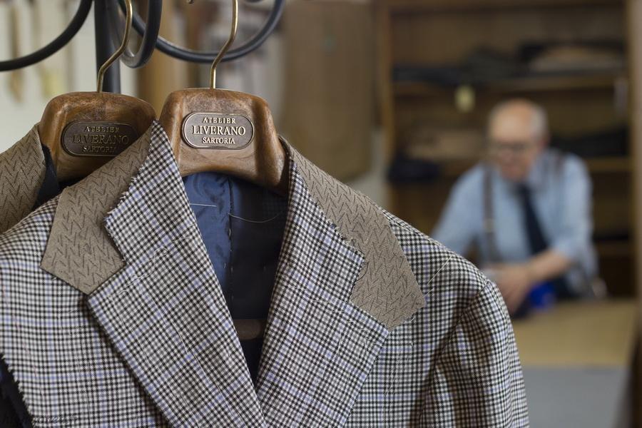 科学家研发出新型服装面料,穿上可自动降温